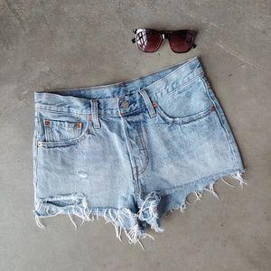 Levi's 501 Light Wash Cutoff Denim Shorts 27